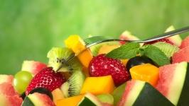 Отслабвайте чрез диети с плодове